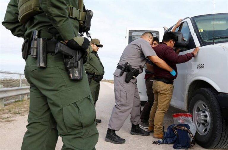 Los inmigrantes condenados deberán demostrar que sus delitos no son graves
